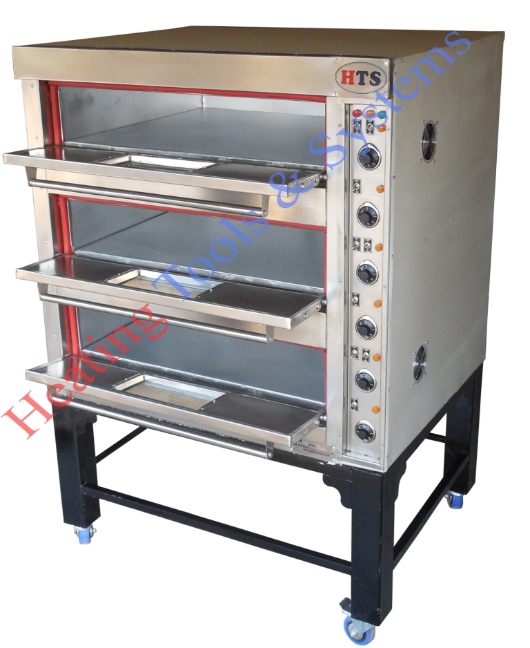 Three deck baking oven for cake cookies pizza and bakery products in India
